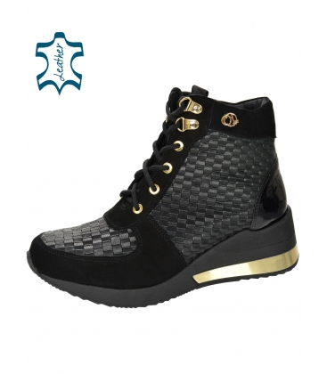 Insulated black and gold sneakers with patterned material DKO2267