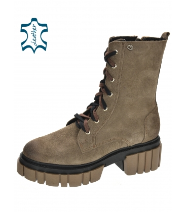 Pale brown brushed leather workers on a brown Venus DKO3023 sole