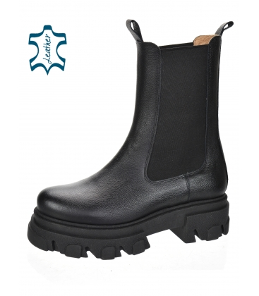 Black low boots with elastic material 8120
