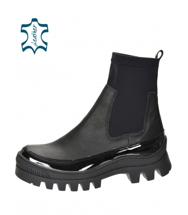 Black ankle boots with elastic material DKO2276