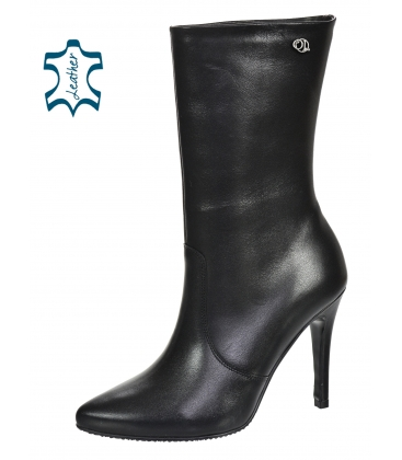 Black ankle boots on the heel 8154-B109